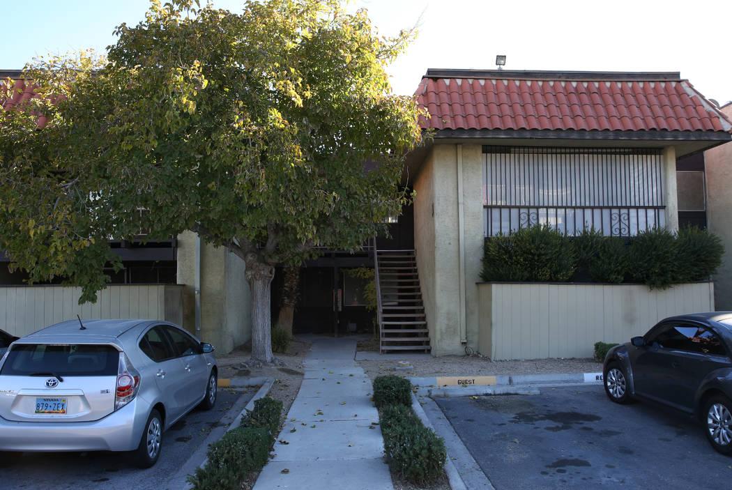 El exterior de un condominio en 1405 Vegas Valley Drive, Unidad 342, fotografiado el martes 27 de noviembre de 2019 en Las Vegas. Bizuayehu Tesfaye Las Vegas Review-Journal @bizutesfaye
