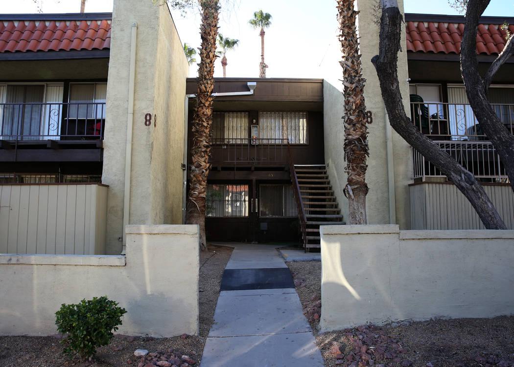 El exterior de un condominio en 1405 Vegas Valley Drive, Unidad 70, fotografiado el martes 27 de noviembre de 2019 en Las Vegas. Bizuayehu Tesfaye Las Vegas Review-Journal @bizutesfaye