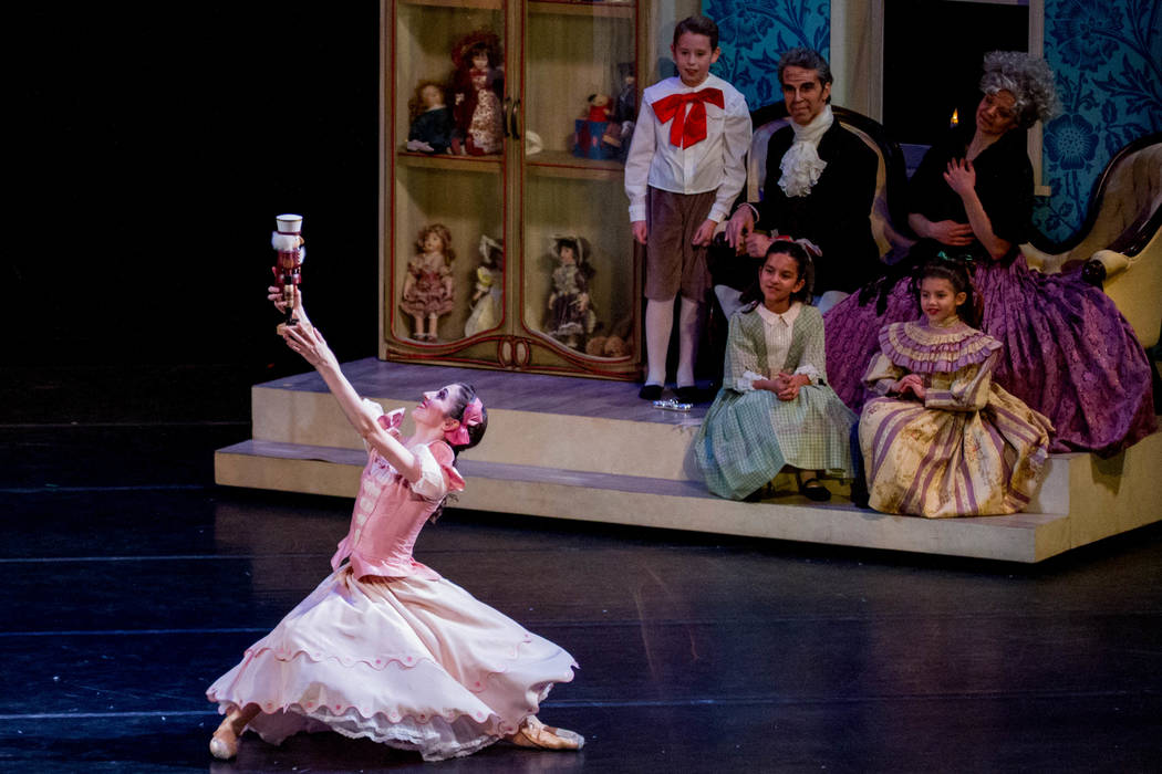 """The Nutcracker"" de Nevada Ballet Theatre regresa al Centro Smith el 8 de diciembre. (Fotografía de Alicia Lee)"