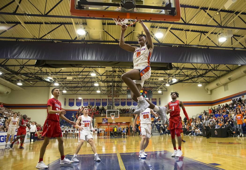 Isaiah Cottrell (0) de Bishop Gorman se enfrenta a Coronado durante la segunda mitad de un partido de baloncesto en la escuela secundaria Bishop Gorman en Las Vegas el jueves 29 de noviembre de 20 ...
