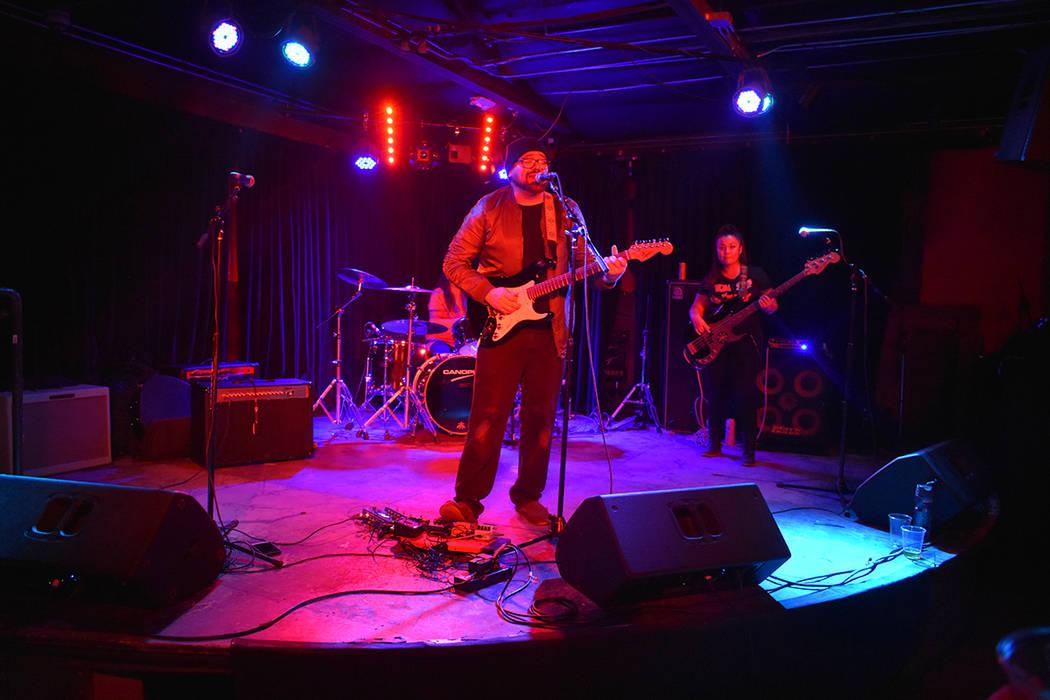 Extraños Objetos se caracterizan por tocar canciones propias. Viernes 23 de noviembre de 2018 en Bunkhouse Saloon. Foto Anthony Avellaneda / El Tiempo.