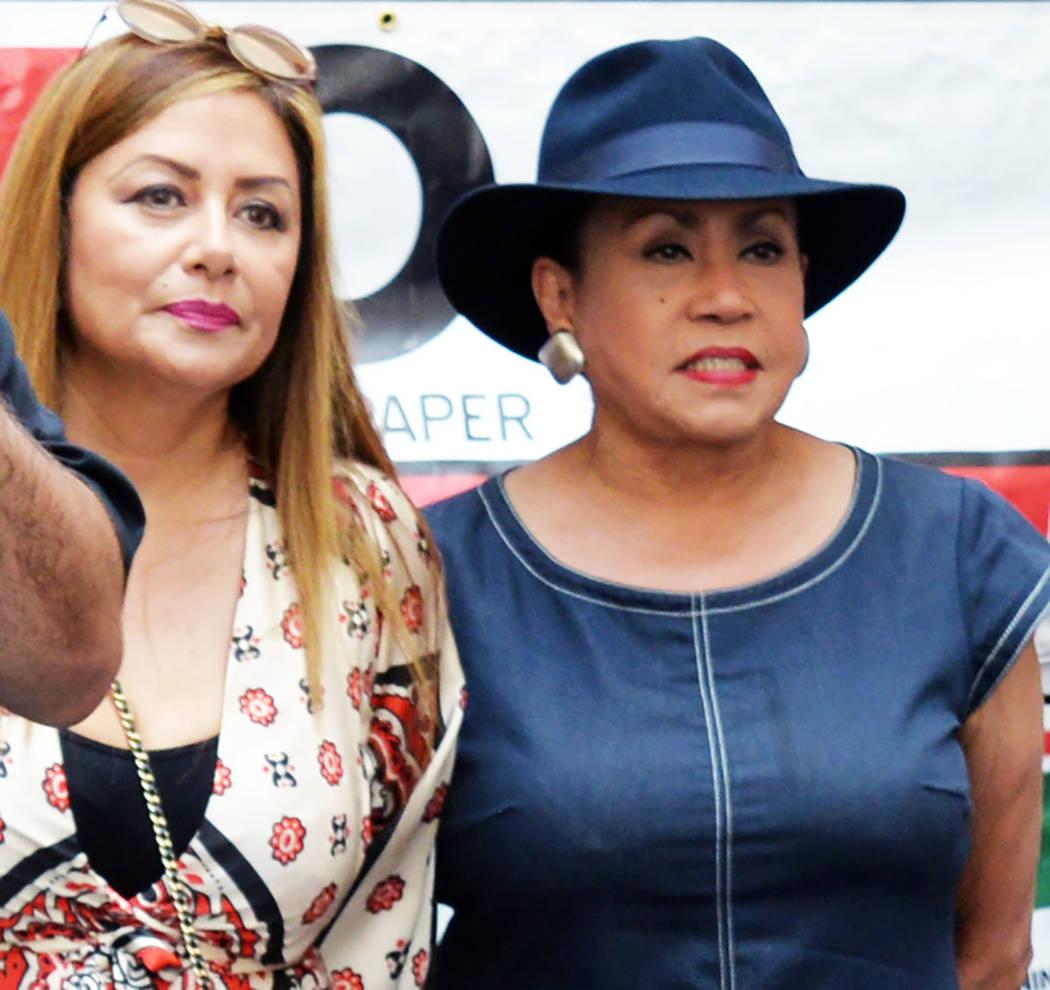 """Sandy Colón-Peltyn estableció la gala """"Señoras of Excellence & Señores of Distinction"""". [ Foto Frank Alejandre / El Tiempo ]"""