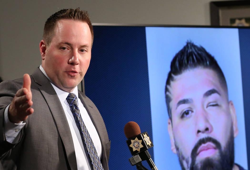 El teniente Reggie Rader del Departamento de Policía Metropolitana habla el miércoles 5 de diciembre de 2018 en la sede de la Policía Metropolitana en Las Vegas durante una conferencia de prens ...