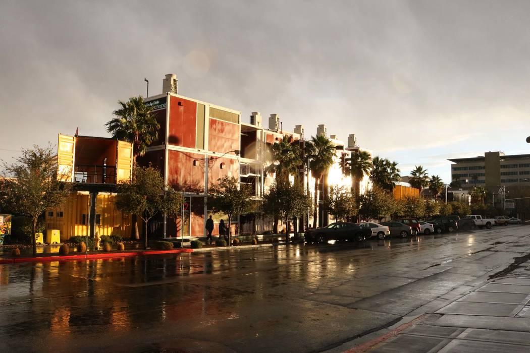 Container Park en el Centro de Las Vegas después de un día lluvioso en el valle, martes 9 de enero de 2018. (Janna Karel / Las Vegas Review-Journal)