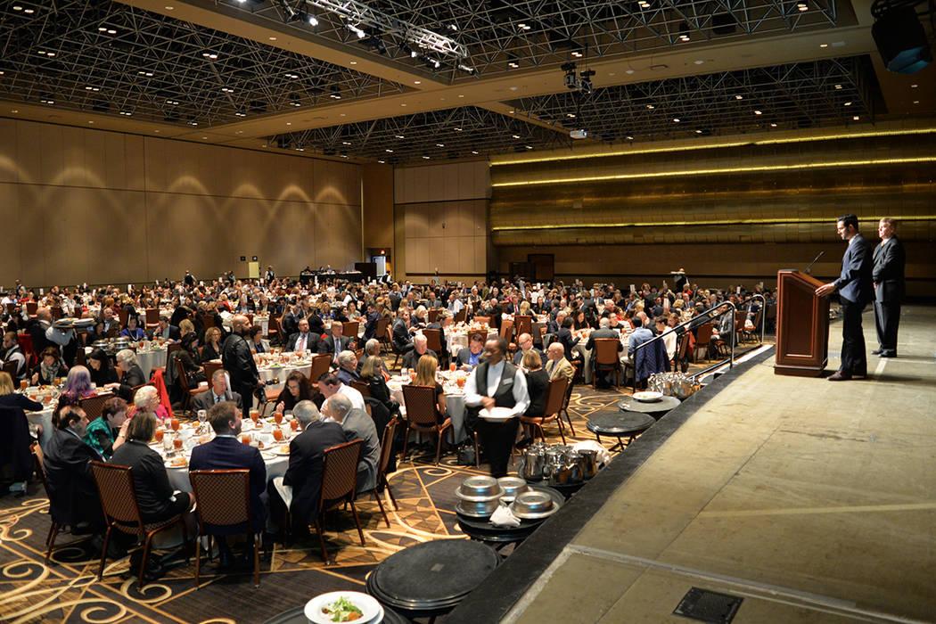 Legal Aid Center of Southern Nevada, convocó a cientos para la entrega de importante reconocimiento. Viernes 7 de diciembre, en el 18avo almuerzo anual para entregar los premios Pro Bono en el ho ...