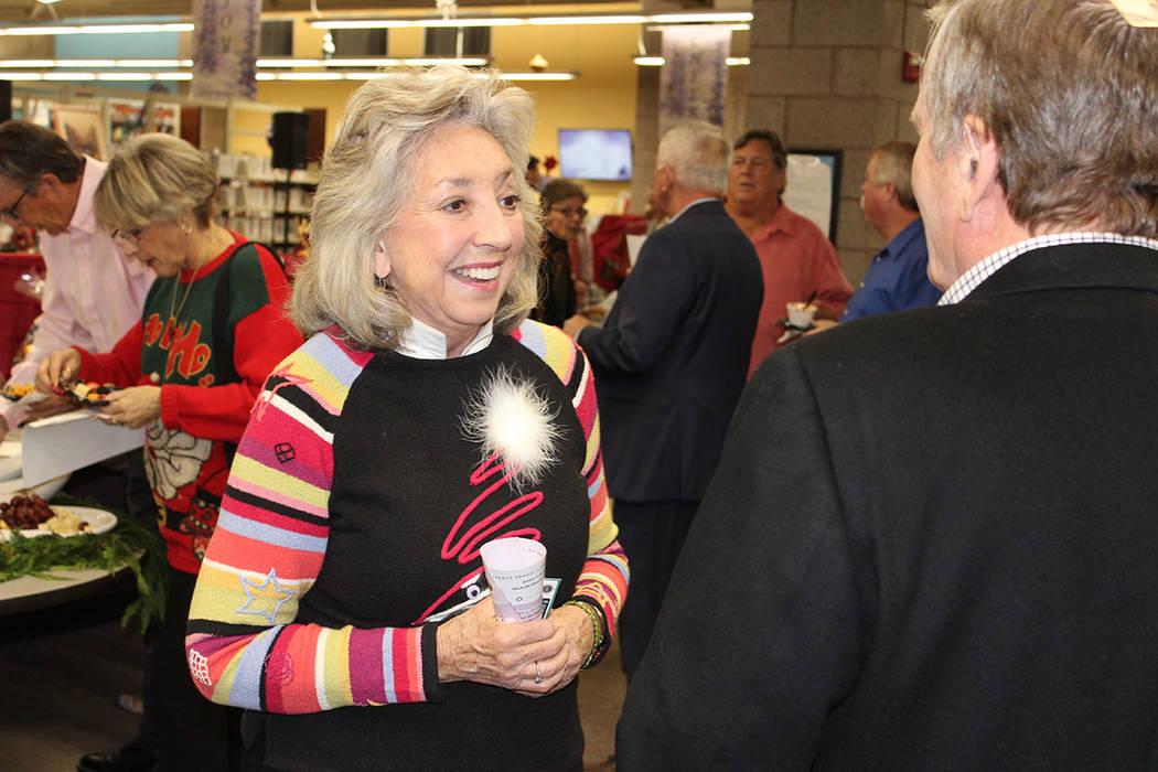 Dina Titus, congresista, considera a las bibliotecas como una estructura de servicios comunitarios. Viernes 7 de diciembre de 2018, en la biblioteca Paseo Verde. Foto El Tiempo.