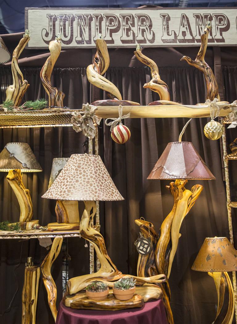 Juniper Lamp Co. en Cowboy Christmas en el Centro de Convenciones de Las Vegas el jueves 6 de diciembre de 2018, en Las Vegas. Benjamin Hager Las Vegas Review-Journal