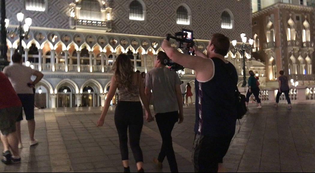 Noelle Chiodo grabó el videoclip 'Up All Night' con la participación de actores, amigos cercanos y de su hermana menor. Una producción independiente y profesional. [ Foto Cortesía ]