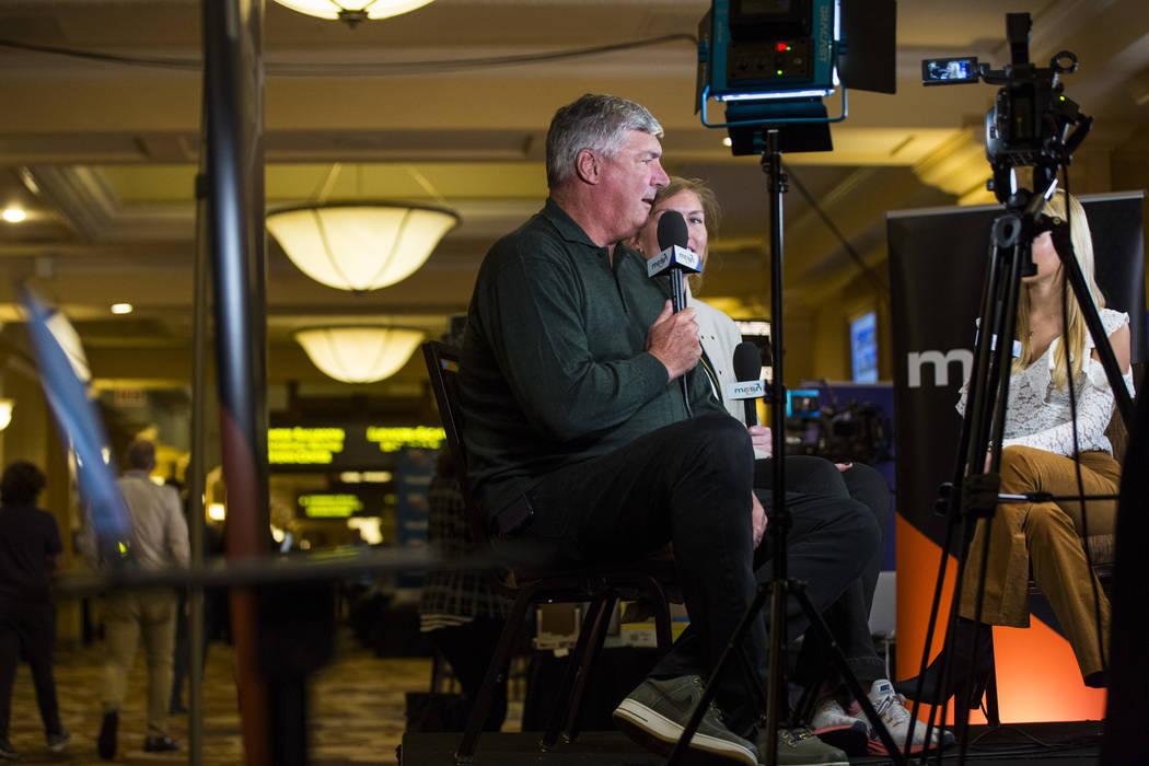 El entrenador de Las Vegas Aces, Bill Laimbeer, es entrevistado durante las reuniones de invierno de la Major League Baseball en Mandalay Bay en Las Vegas el lunes 10 de diciembre de 2018. Chase S ...