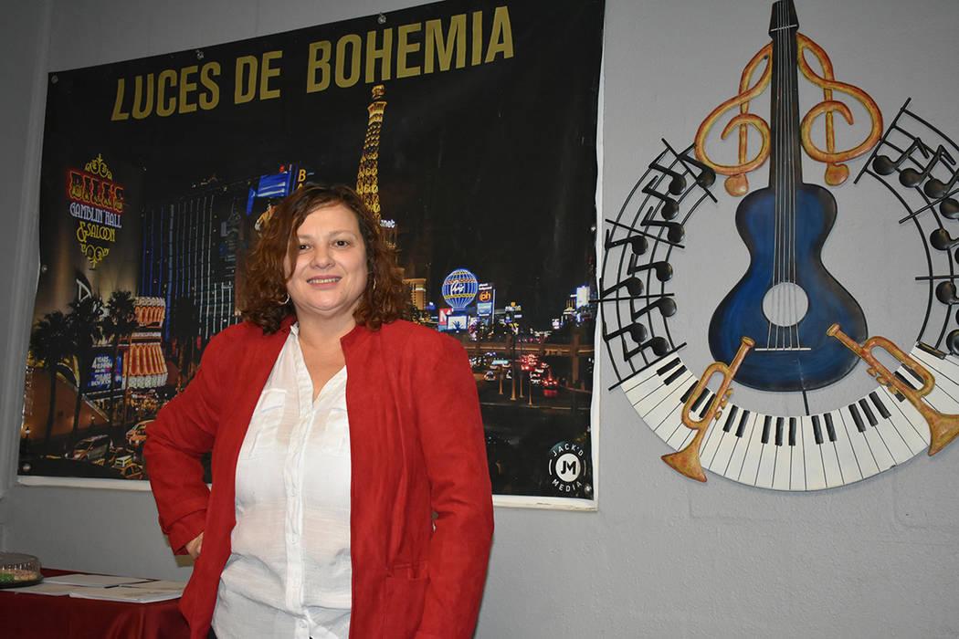 """""""Quisimos hacer una colecta de juguetes para los niños que están separados de sus padres debido a las cortes del condado"""": Xinia Estrada, directora de Luces de Bohemia. Sábado 15 de diciemb ..."""