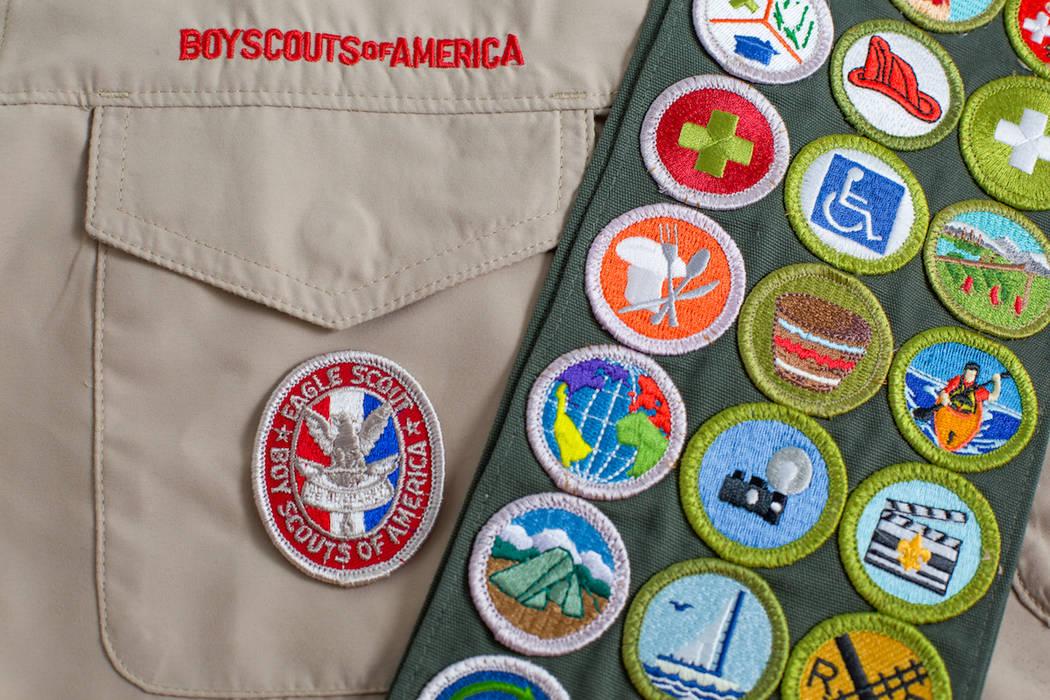 Una banda de la insignia de mérito en un uniforme de Boy Scouts of America. (Getty Images)