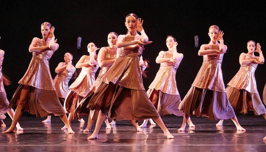 27 estudiantes de la Academia de Artes de Las Vegas ofrecieron un espectáculo titulado 'Gaps in the Wind'. [ Foto Josh Hawkins / Copyright Las Vegas Academy of the Arts Dance ]