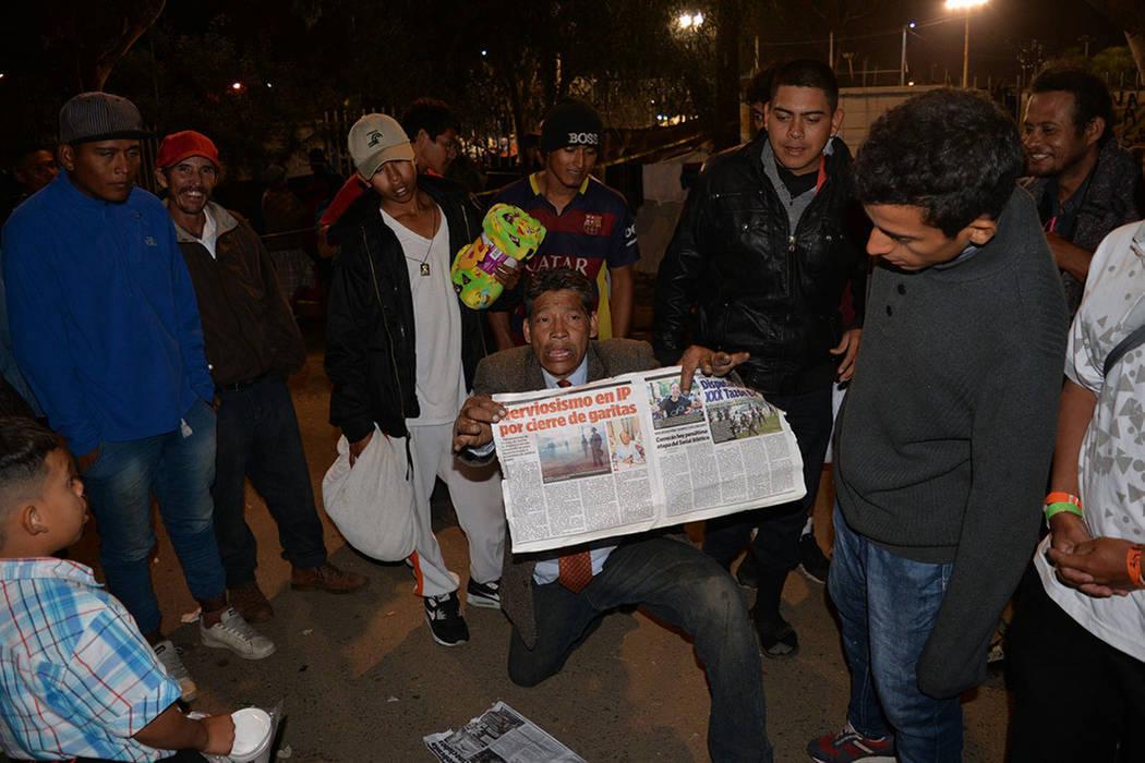 Algunos migrantes suplican a los medios no satanizar su permanencia y llegada a Tijuana. Domingo 25 de noviembre de 2018, en Tijuana, Baja California Norte. Foto Frank Alejandre / El Tiempo - Archivo.