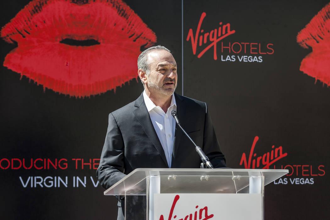 """Richard """"Boz"""" Bosworth, socio de Virgin Group, habla en una conferencia de prensa en el Hard Rock Hotel en Las Vegas el viernes 30 de marzo de 2018. Patrick Connolly Las Vegas Review-Journal @PConnPie"""