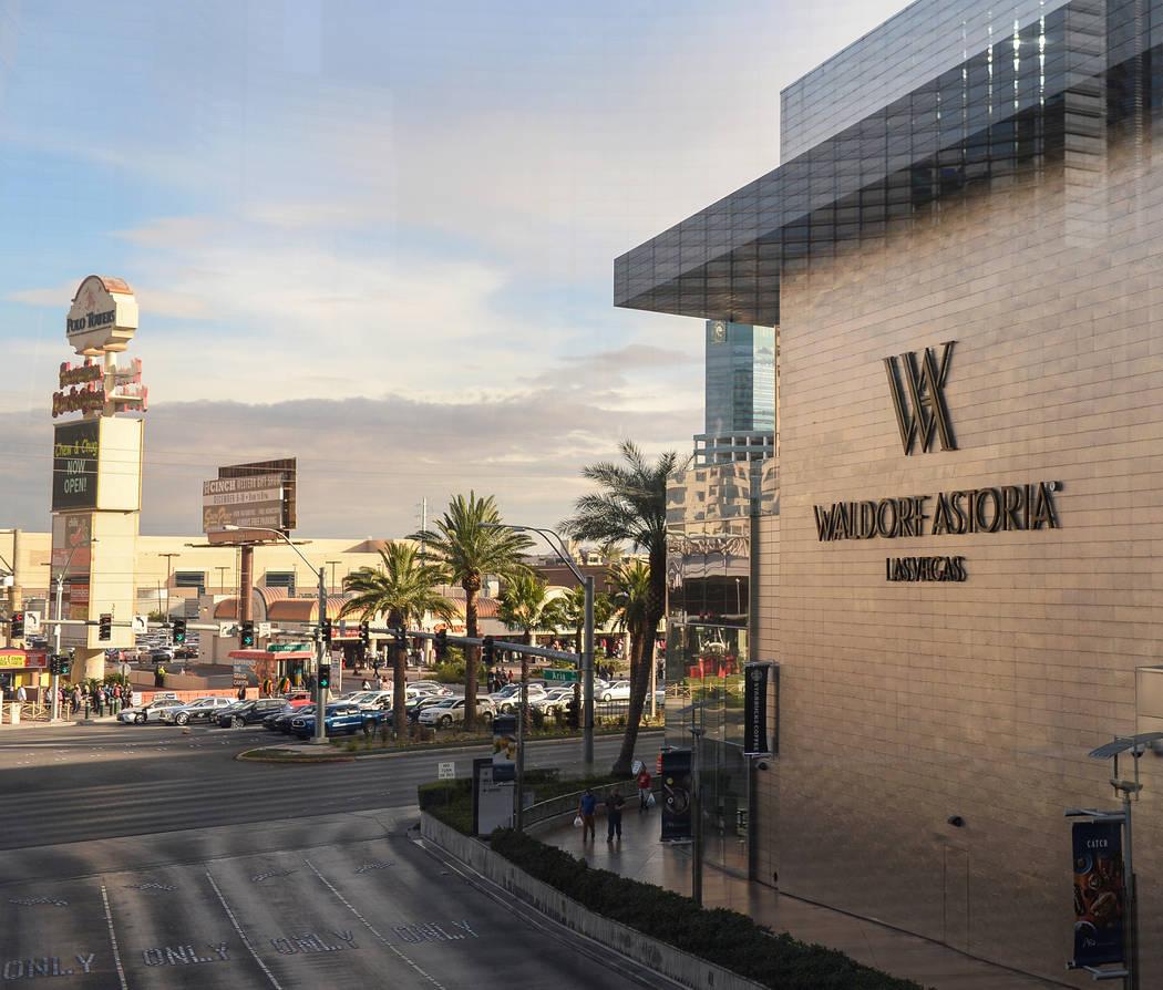 El Waldorf Astoria, visto el lunes 17 de diciembre de 2018, fue el hogar de algunas de las ventas de condominios de gran altura más caras del año en Las Vegas. Caroline Brehman / Las Vegas Revie ...