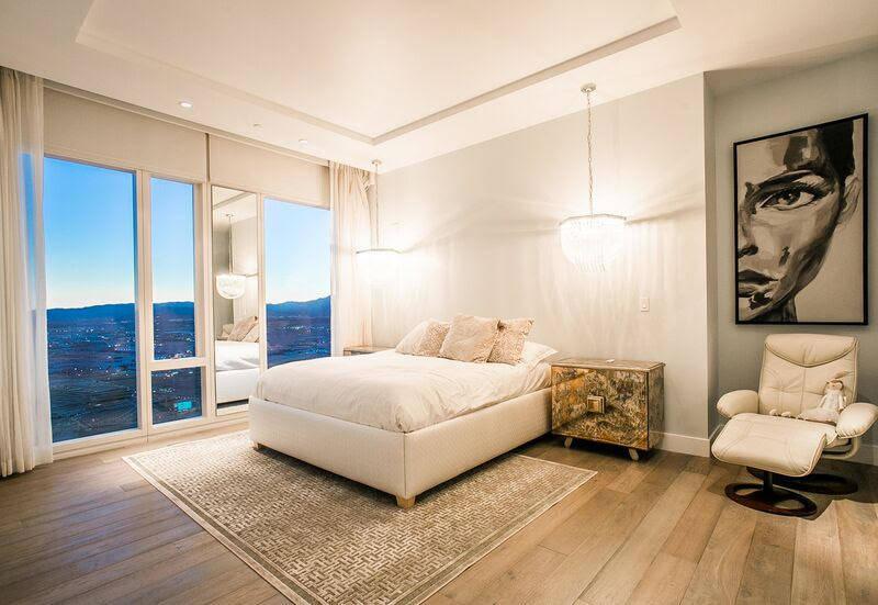 Este condominio de 2 mil 247 pies cuadrados en el Waldorf Astoria - 3750 Las Vegas Blvd. Sur, unidad 4102 - vendida por $3.6 millones en octubre. (Luxury Estates International)