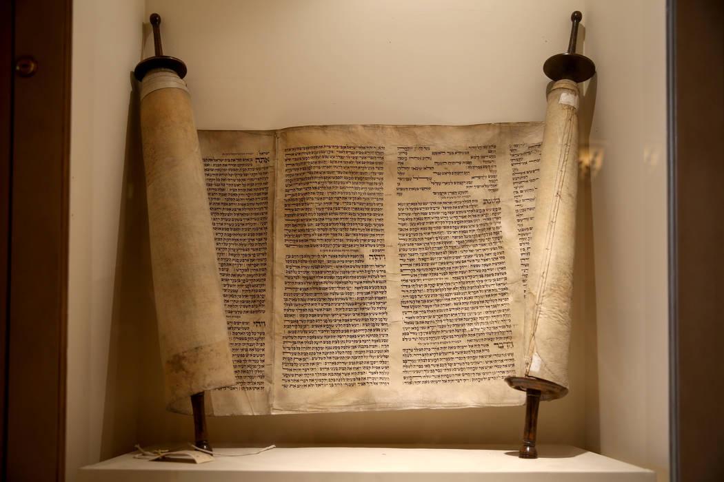 El Holocausto Haftorah en el Templo Beth Sholom en Las Vegas el viernes 14 de diciembre de 2018. K.M. Cannon Las Vegas Review-Journal @KMCannonPhoto