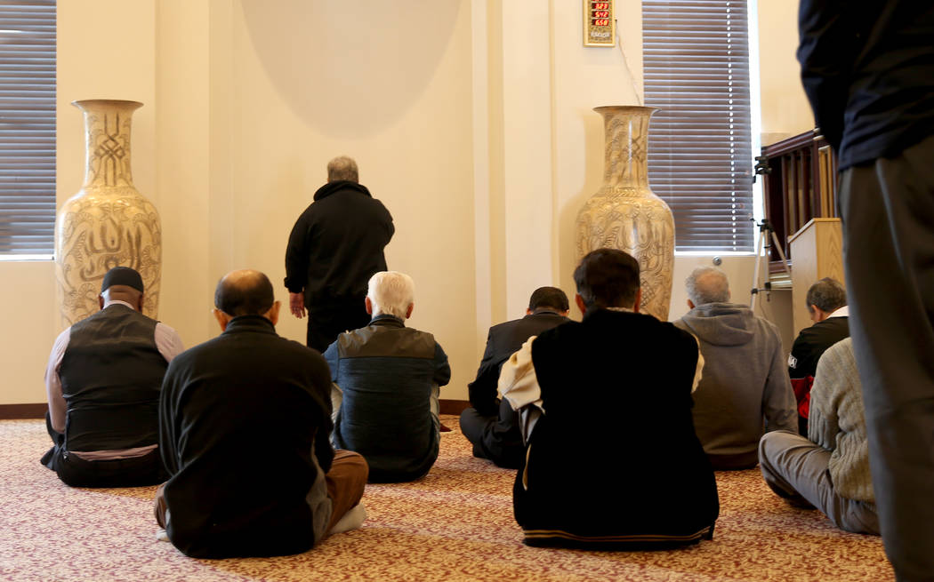 La sala de oración en el Centro Islámico Masjid Ibrahim en Las Vegas el viernes 14 de diciembre de 2018. K.M. Cannon Las Vegas Review-Journal @KMCannonPhoto