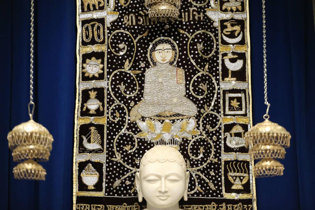 El arte religioso cuelga dentro del Templo hindú de Las Vegas en Las Vegas, el jueves 13 de diciembre de 2018. Erik Verduzco Las Vegas Review-Journal @Erik_Verduzco