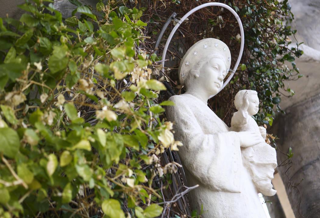 Una estatua de Nuestra Señora de La Vang en el Santuario de Nuestra Señora de La Vang, una iglesia católica vietnamita, en Las Vegas el viernes 14 de diciembre de 2018. Chase Stevens Las Vegas ...