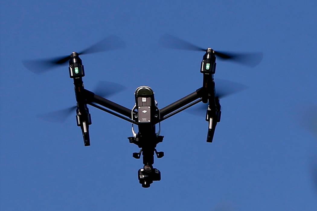 Un drone se representa en esta foto de archivo. (Foto AP / Keith Srakocic, Archivo)