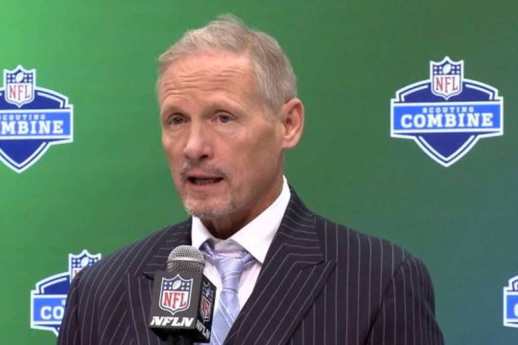 Los Oakland Raiders han contratado a Mike Mayock, analista de draft de la NFL Network, para ser su gerente general. (Informan)