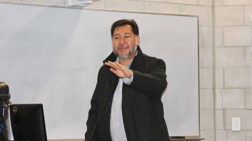 Gerardo Fernández Noroña durante una conferencia que ofreció en Las Vegas en el año 2015. Foto Anthony Avellaneda / El Tiempo.