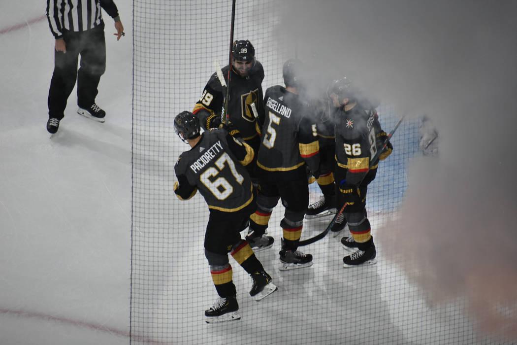 Vegas Golden Knights consiguió un ajustado triunfo por 3-2 ante New Jersey Devils en un juego de la NHL disputado en el T-Mobile Arena de Las Vegas, el domingo 6 de enero de 2019. Foto Anthony Av ...