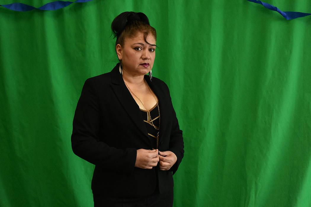 """""""Si yo me reporto enferma no me pagan esos días, con tres días que yo no trabaje pierdo el equivalente a un mes de comida para mi familia"""": Sheila Hurtado, trabajadora de casino. Viernes 4 d ..."""