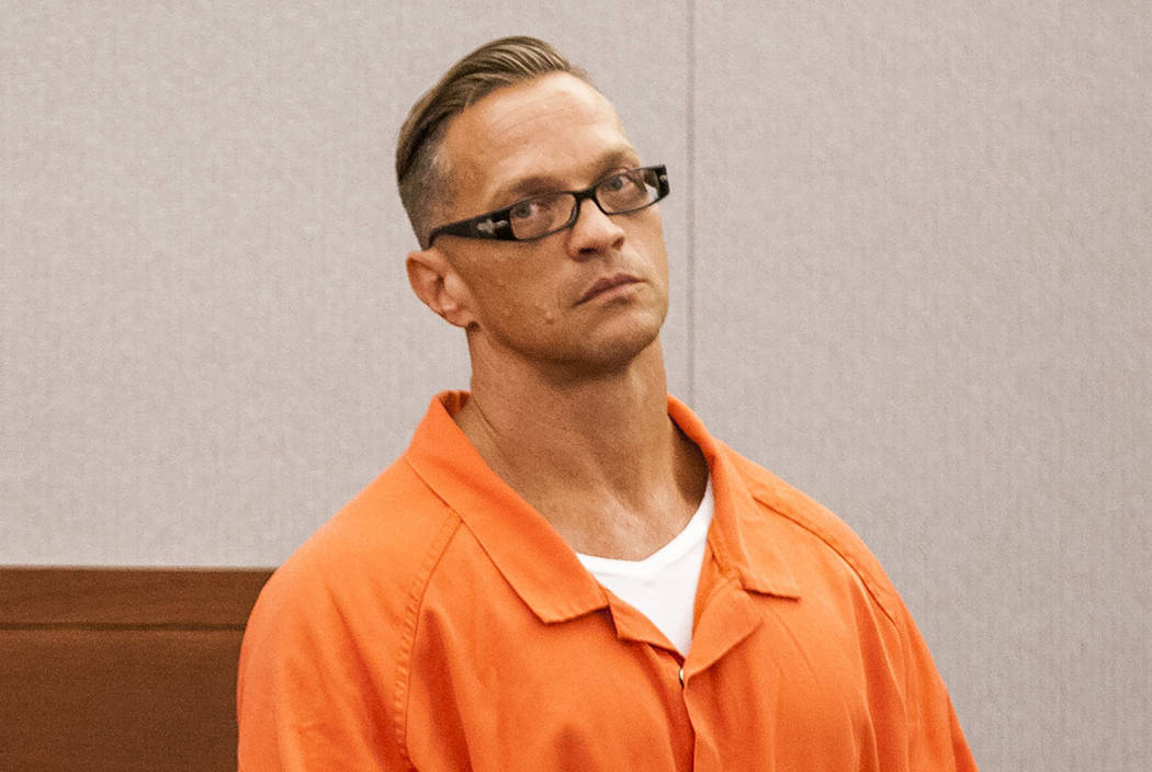 El asesino en dos ocasiones, Scott Dozier, representa una audiencia sobre su sentencia de muerte en el Centro Regional de Justicia el jueves 27 de julio de 2017. (Las Vegas Review-Journal)