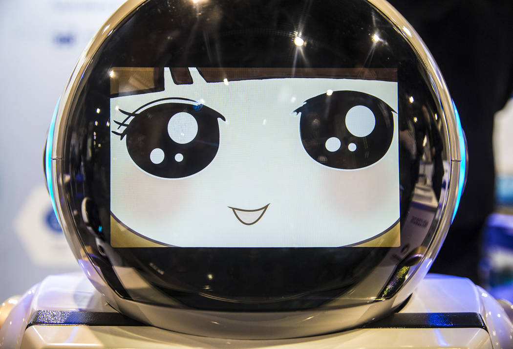 El robot inteligente Chuangze durante el primer día del CES 2019 el martes 8 de enero de 2019, en el Centro de convenciones de Las Vegas, en Las Vegas. El evento tecnológico de cuatro días reú ...