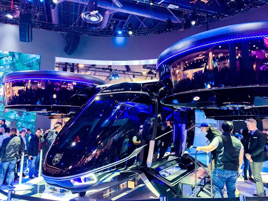"""El concepto de vehículo de taxi aéreo """"Bell Nexus"""" de Bell se exhibirá en CES el 8 de enero de 2019. Uber planea usar los vehículos en su iniciativa uberAIR programada para comenzar en la fase ..."""