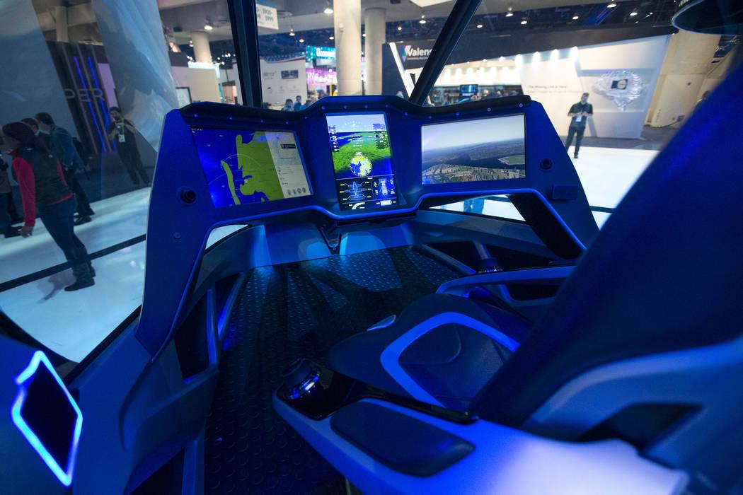 La cabina futurista del Bell Nexus, un concepto de taxi aéreo híbrido eléctrico, que se exhibió en el primer día del CES en el Centro de Convenciones de Las Vegas en Las Vegas el martes 8 de ...