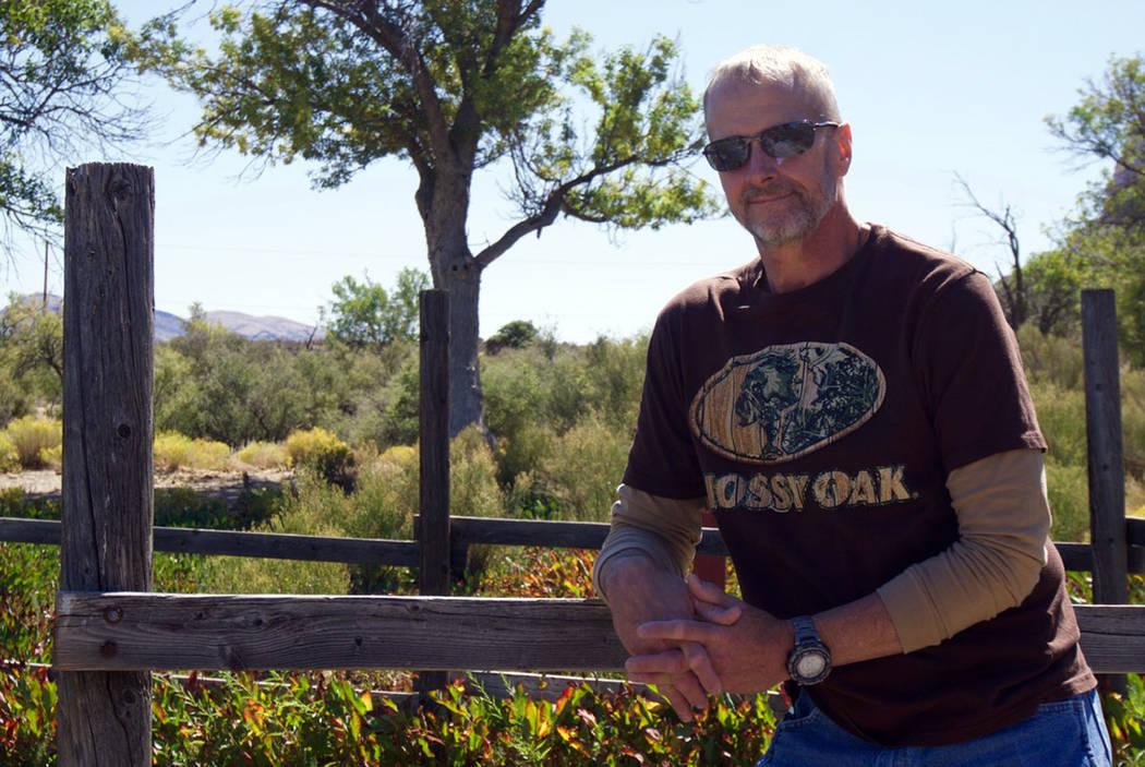 Mike Johnson, ex artista gráfico del Las Vegas Review-Journal, murió en su casa el 5 de enero después de sufrir una lesión cerebral traumática. (Carolyn Johnson)