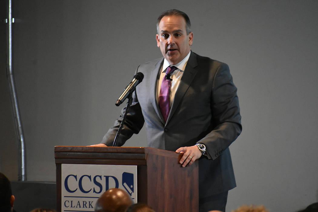 El superintendente Jesús Jara abordó los problemas que enfrenta el sistema educativo de Nevada. Viernes 11 de enero de 2019 en Strip View Pavilion. Foto Anthony Avellaneda / El Tiempo.