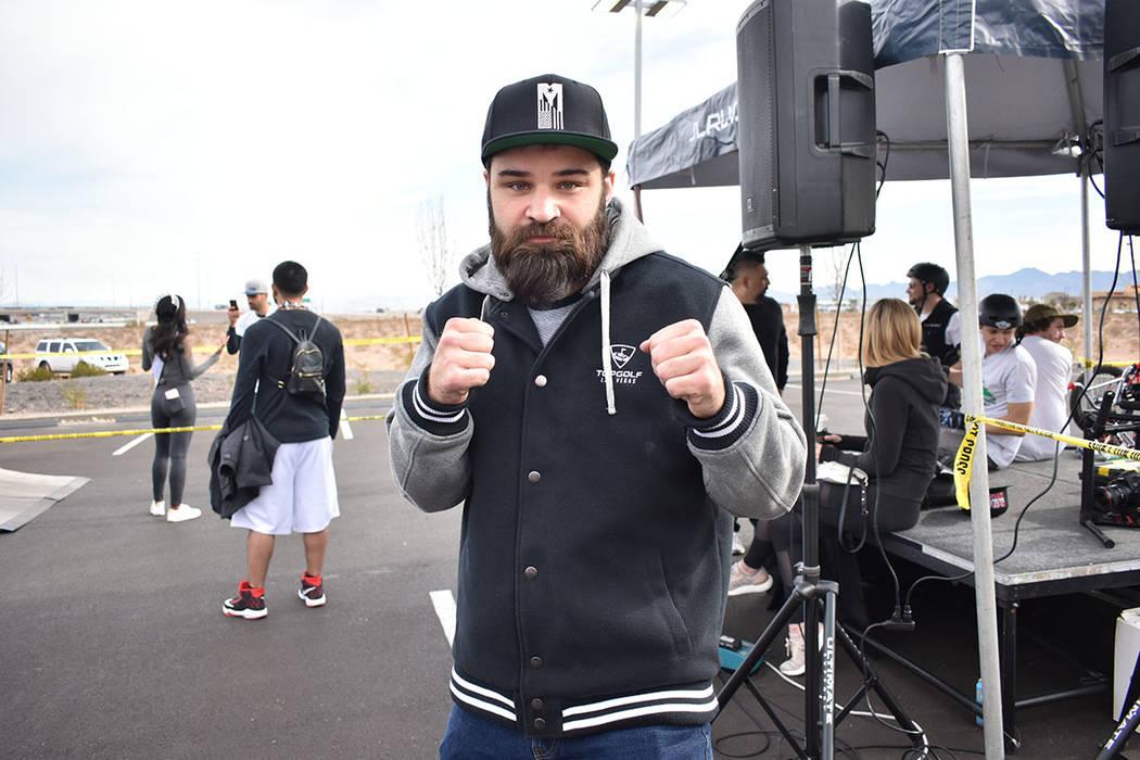 El peleador de UFC, Julián Márquez, se unió para motivar a los niños a practicar cualquier deporte. Sábado 12 de enero de 2019 en la agencia de automóviles Jaguar Land Rover. Foto Anthony Av ...