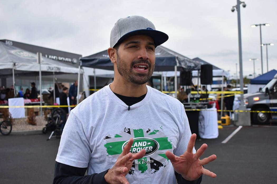 Ricardo Laguna aseguró que usar la protección adecuada reduce el riesgo de lesiones en el deporte. Sábado 12 de enero de 2019 en la agencia de automóviles Jaguar Land Rover. Foto Anthony Avell ...