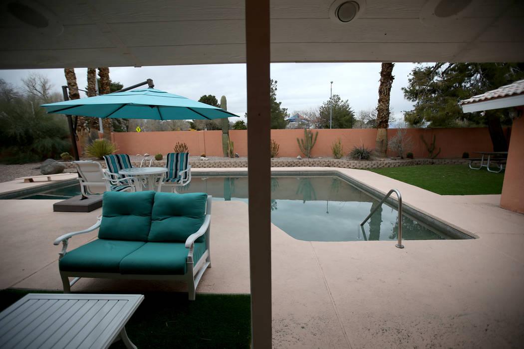 """La antigua casa del mafioso de Las Vegas, Tony """"The Ant"""" Spilotro en 4675 Balfour Drive en Las Vegas está a la venta el lunes 14 de enero de 2019. La casa de cuatro dormitorios y dos baños cerca ..."""