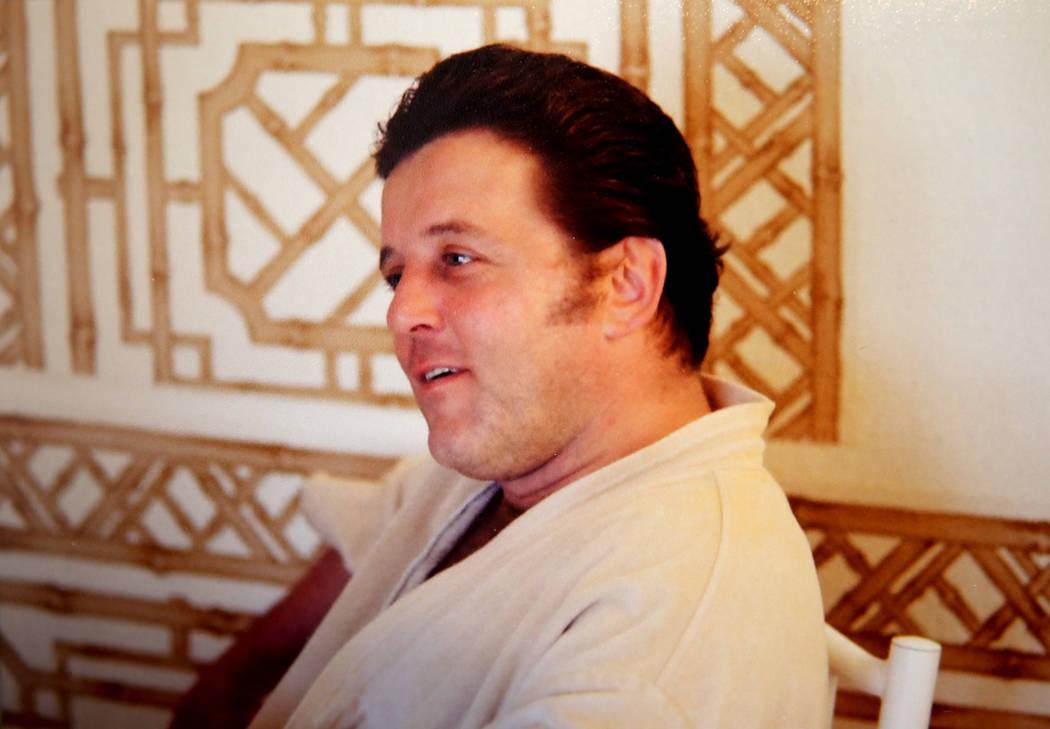 """El mafioso de Las Vegas Tony """"The Ant"""" Spilotro aparece en su antigua casa en 4675 Balfour Drive en Las Vegas en una foto proporcionada por la agente Shannon Smith el lunes 14 de enero de 2019. La ..."""