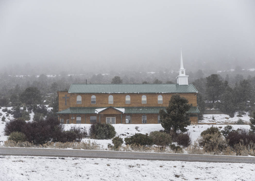 La niebla rueda sobre Mt. Charleston Baptist Church el martes 15 de enero de 2019, en Mount Charleston, en Las Vegas. Benjamin Hager Las Vegas Review-Journal