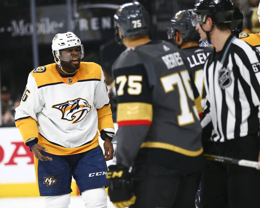 El defensa de los Nashville Predators, P.K. Subban (76), reacciona después de comenzar una pelea con los Caballeros Dorados durante el segundo período de un juego de hockey de la NHL en T-Mobile ...
