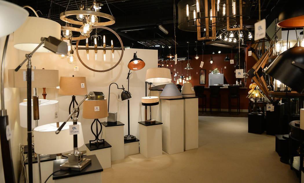 La exhibición de CA Lighting & Accessories durante el segundo día del Mercado de Las Vegas se llevó a cabo en el World Market Center en Las Vegas, el lunes 28 de enero de 2019. Caroline Brehman ...