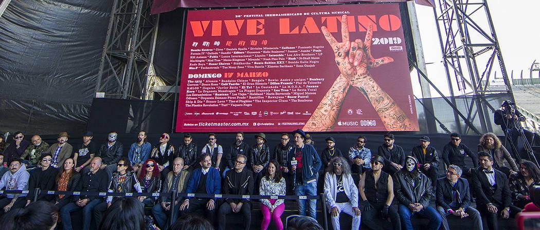 México, 23 Ene 2019 (Notimex-José Pazos).- En conferencia de prensa en el Foro Sol se presentó el cartel del Festival Vive Latino 2019, al evento asistieron algunas bandas que participarán en ...