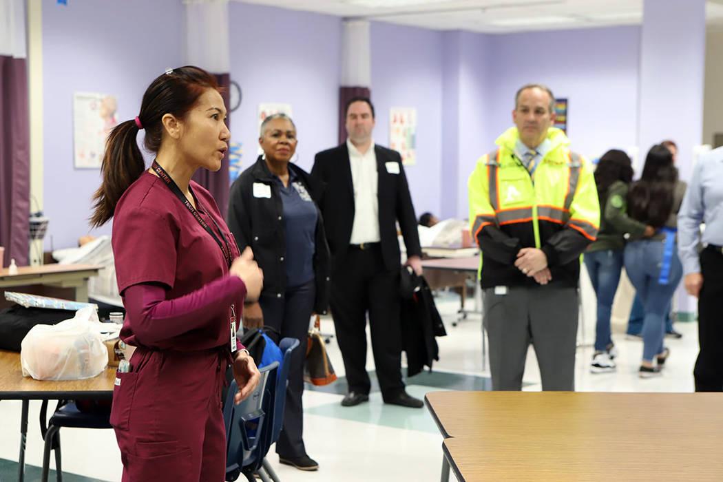 El evento ofrece vías para que los estudiantes eliminen las barreras, en su camino hacia la incorporación a la fuerza laboral. Miércoles 30 de enero de 2019, en la escuela preparatoria Desert R ...