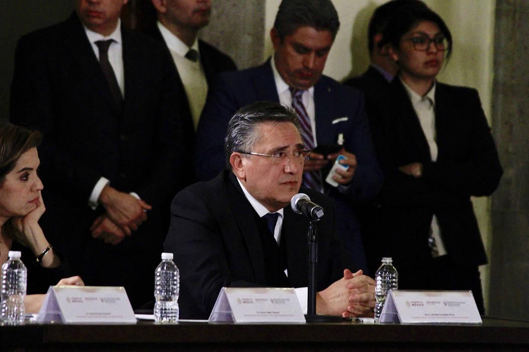 México, 24 Ene 2019 (Notimex-Javier Lira).- A la apertura de la sesión extraordinaria del Consejo Nacional de Seguridad Pública, asistió el titular de la Comisión Nacional de los Derechos Hum ...