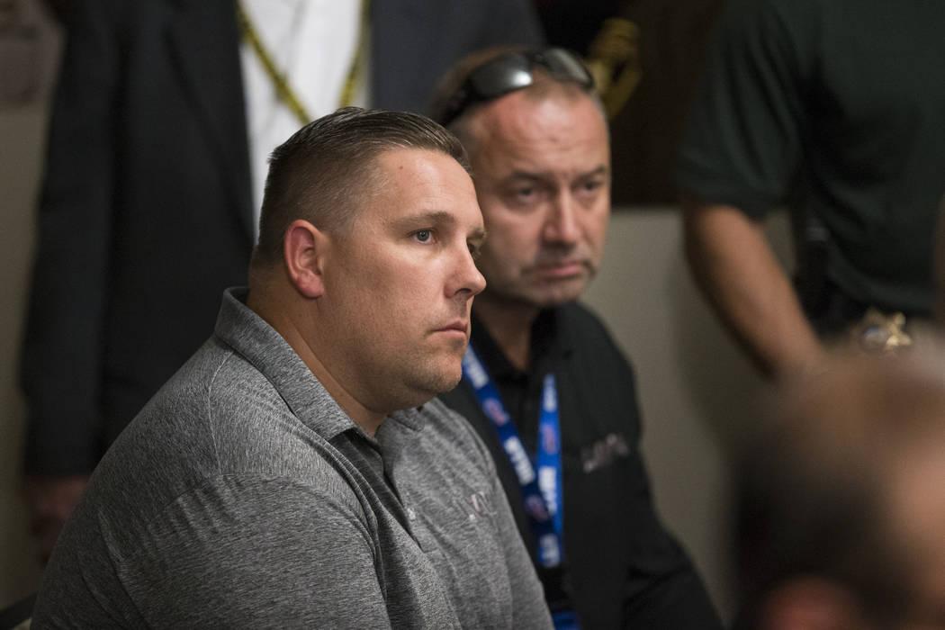 Steve Grammas, presidente de la Asociación de Protección de la Policía de Las Vegas, a la izquierda, y Scott Nicholas, vicepresidente de la unión, en septiembre en Las Vegas. Erik Verduzco Las ...