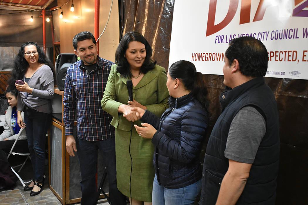 Empresarios locales brindaron apoyo a la candidata por el Distrito 3 del Concejo de Las Vegas, Olivia Díaz. Miércoles 30 de enero de 2019 en el restaurante 'Carnitas y tortas ahogadas Guadalaj ...