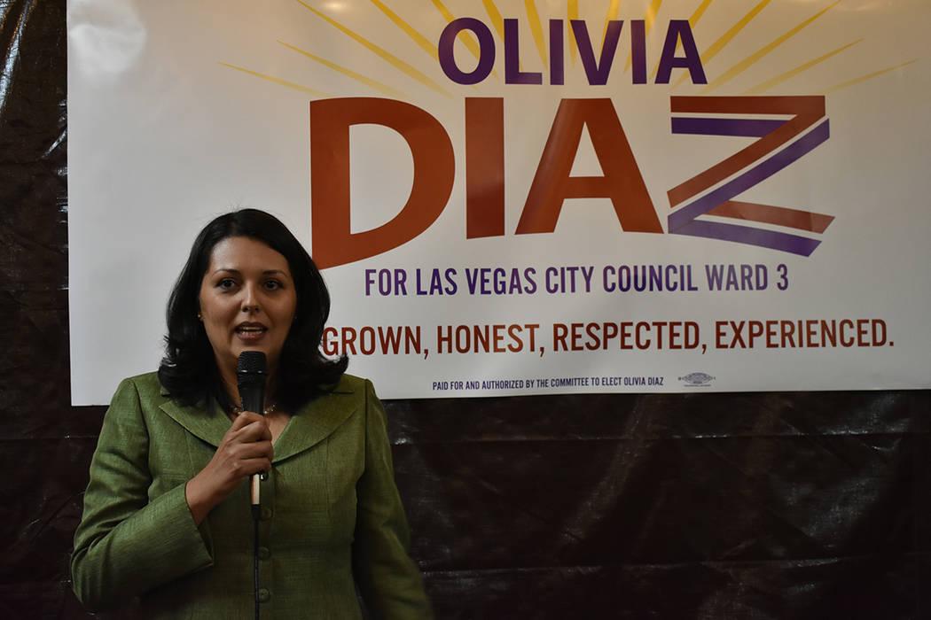 """""""Estoy contendiendo para concejal por el Distrito 3 porque yo crecí aquí, esta es mi casa, es mi hogar"""": Olivia Díaz, candidata a concejal por el Distrito 3 de Las Vegas. Miércoles 30 de e ..."""