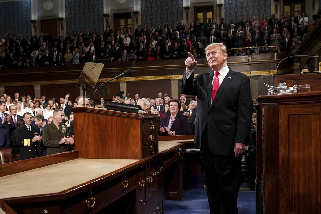 El presidente Donald Trump pronuncia su discurso sobre el 'Estado de la Unión' en una sesión conjunta del Congreso, el martes 5 de febrero de 2019 en el Capitolio en Washington, D.C., mientr ...