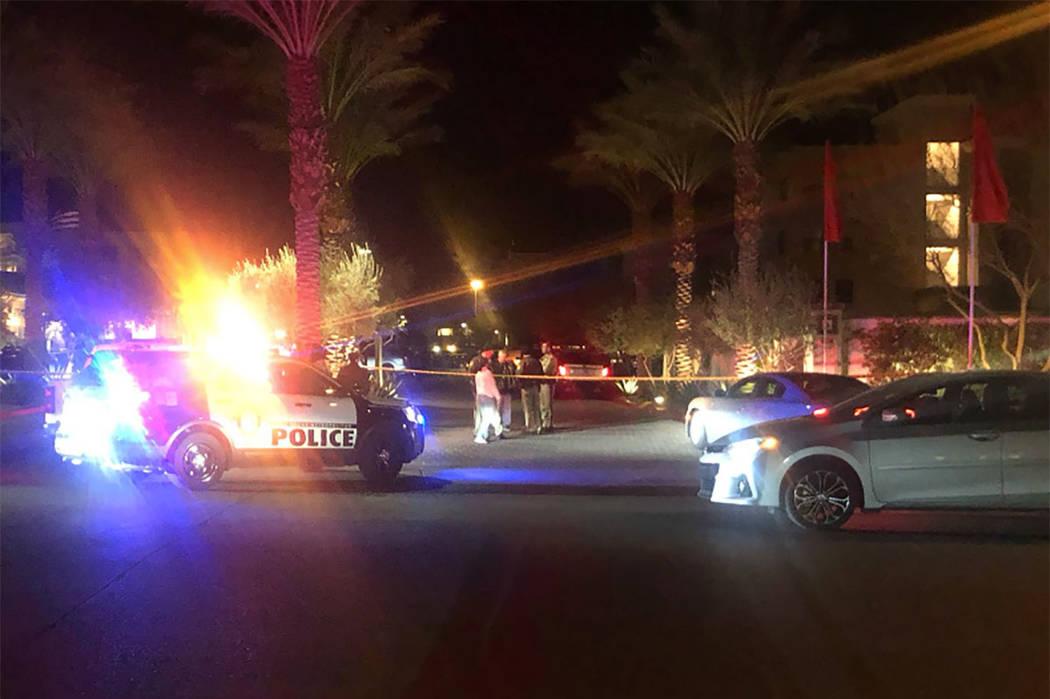 La policía de Las Vegas investiga un tiroteo fatal en la cuadra 6300 de South Riley Street el miércoles 6 de febrero de 2019. (Katelyn Newberg / Las Vegas Review-Journal)